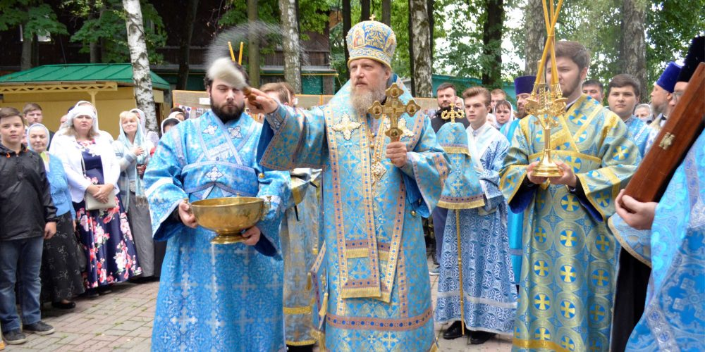 Престольный праздник в храме Владимирской иконы Божией Матери в Виноградове