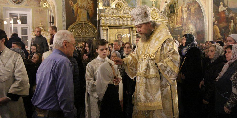 Епископ Иоанн совершил Всенощное бдение в храме иконы Божией Матери «Нечаянная Радость»