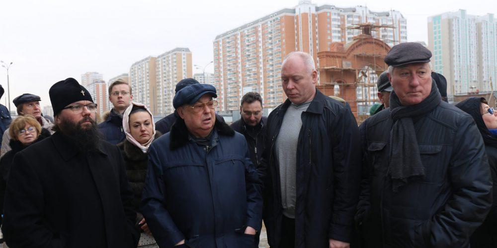 Архиепископ Матфей принял участие в объезде строящихся храмов