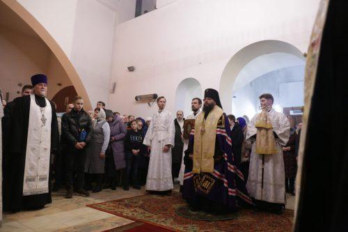Управляющий Северо-Восточным викариатством совершил праздничное богослужение в Рождественскую ночь