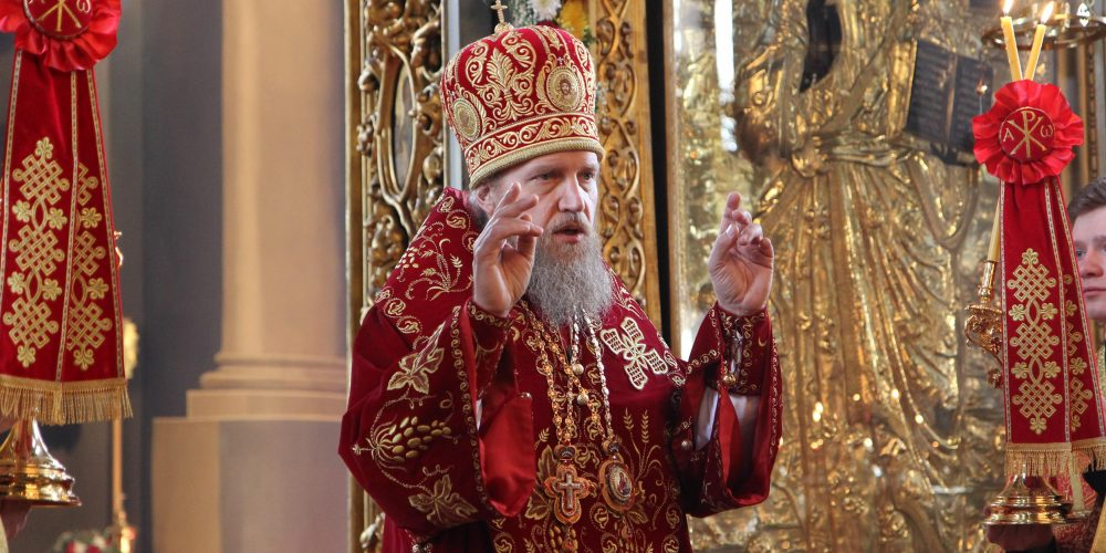 Епископ Домодедовский Иоанн, совершил Божественную литургию в храме Тихвинской иконы Божией Матери