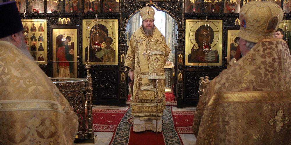 Божественная литургия в храме святых мучеников Адриана и Наталии в Бабушкине