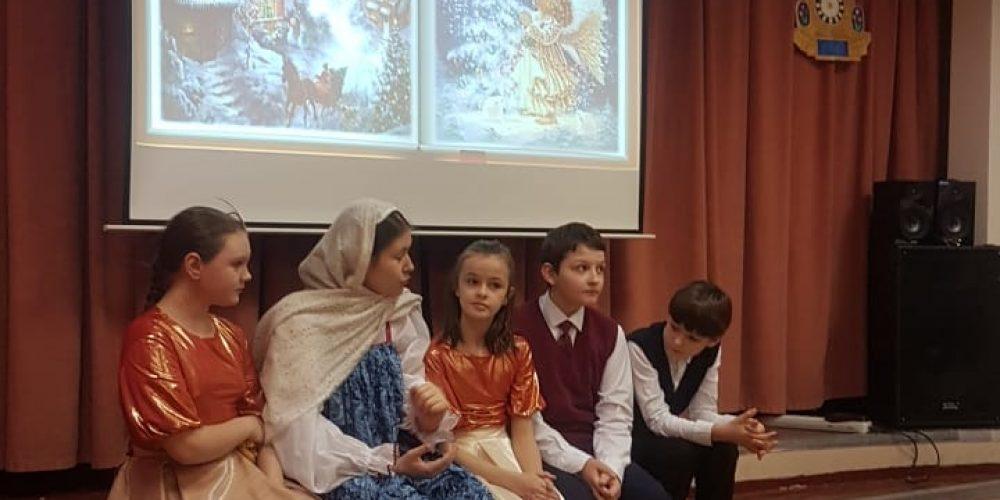 Выступление учеников Православной школы «Свиблово» в центре для пожилых людей