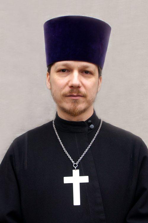 Священник Андрей Кудрин