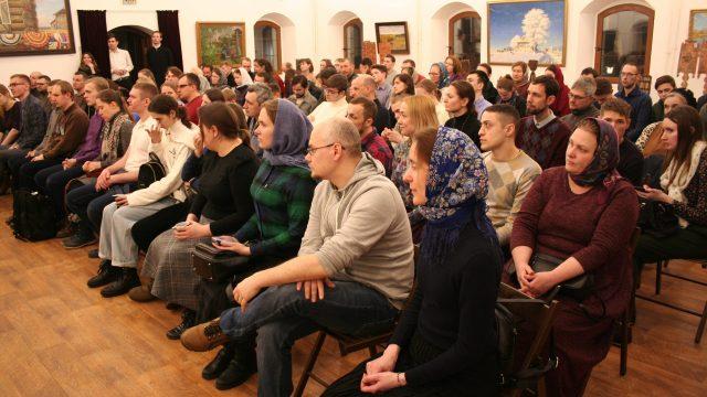 Архиепископ Егорьевский Матфей провел встречу с молодежью Северо-Восточного викариатства г. Москвы