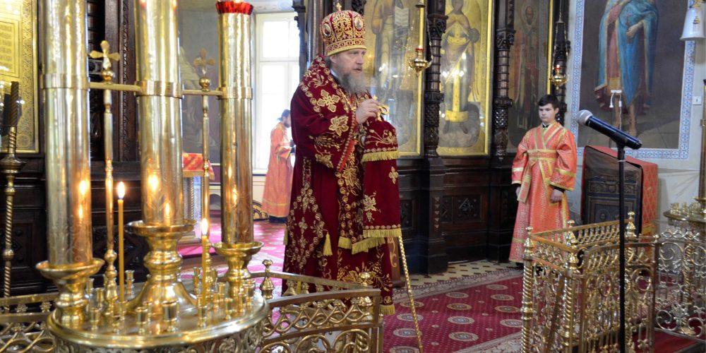 Епископ Иоанн совершил литургию в храме иконы Божией Матери «Нечаянная Радость»