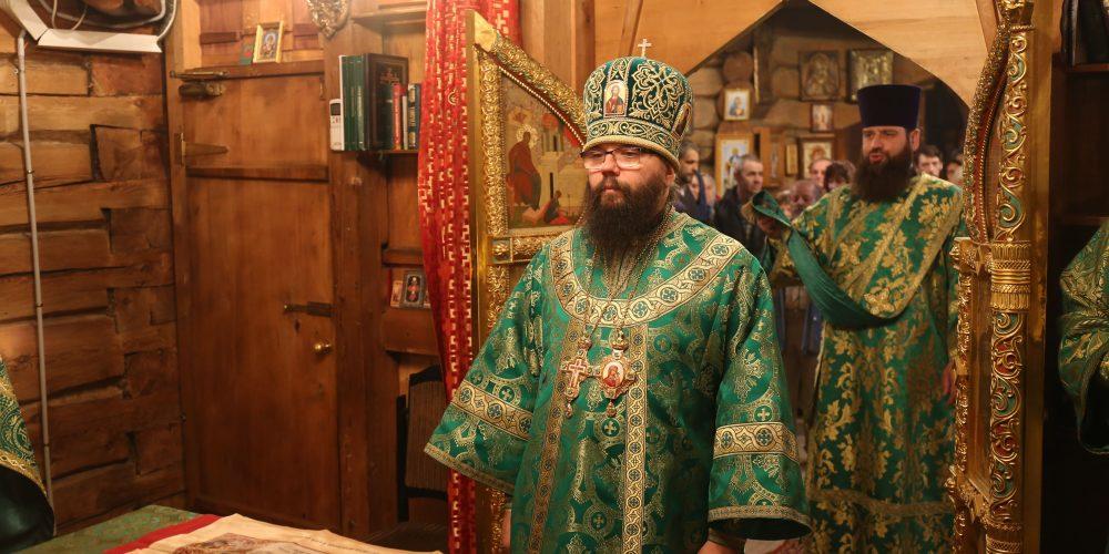 Архиепископ Матфей совершил Литургию в храме Благовещения в Раеве