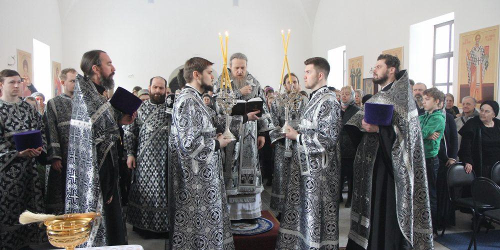 Епископ Иоанн совершил Малое освящение храма св. Ольги в Останкино