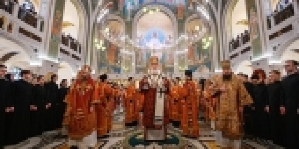 В день памяти священномученика Илариона, архиепископа Верейского, Святейший Патриарх Кирилл совершил Литургию в Сретенском монастыре в Москве