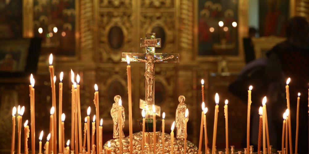 Божественная литургия в храме на Пятницком кладбище