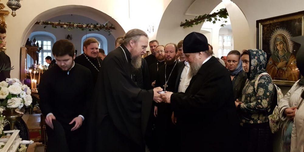 Митрополит Астанайский и Казахстанский Александр посетил Патриаршее подворье в Усадьбе Свиблово