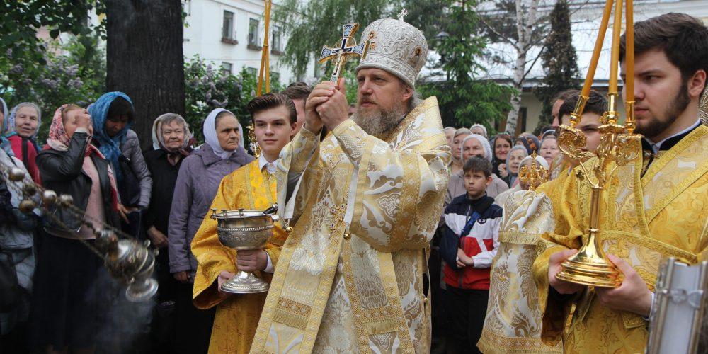 Божественная литургия в храме святителя и чудотворца Николая в Пыжах