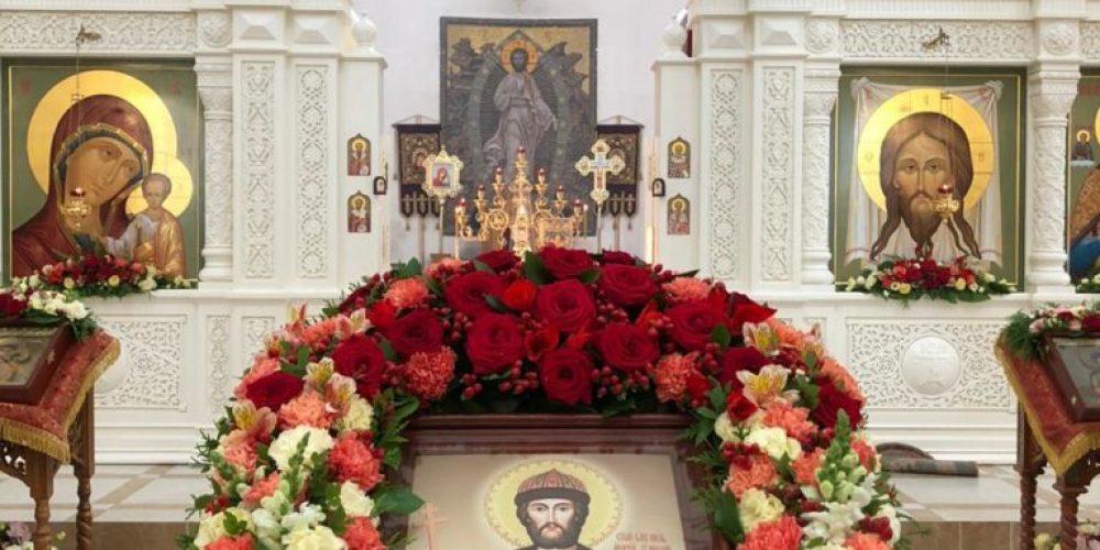 Архиепископ Егорьевский Матфей возглавил Божественную литургию в престольный праздник в храме святого Андрея Боголюбского на Волжском