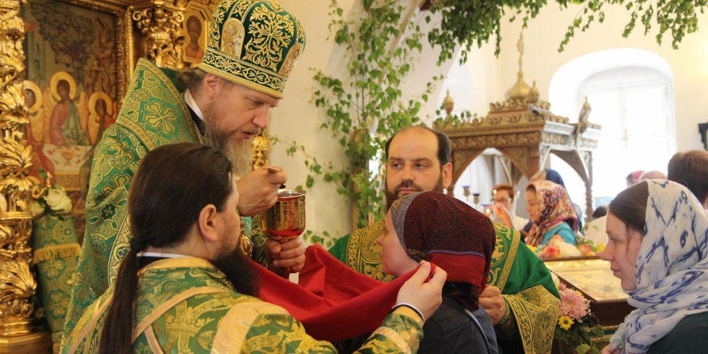 Престольный праздник храма Живоначальной Троицы в Усадьбе Свиблово
