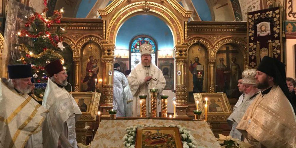 Божественная литургия в Тегеле и панихида по почившему архиепископу Феофану