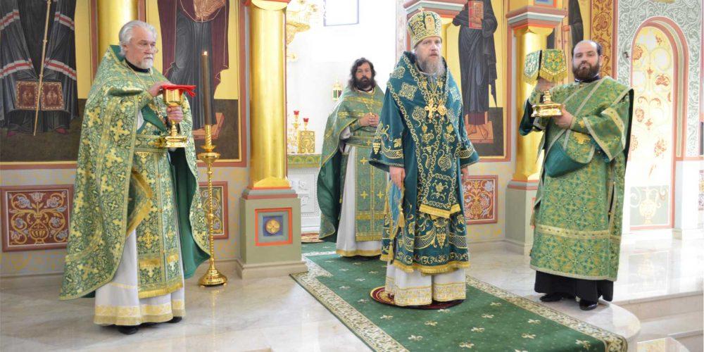 Литургия в день праздника Дивеевских святых