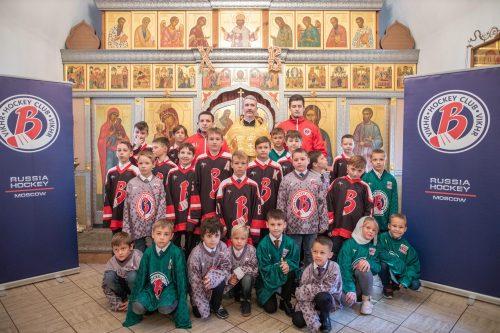 Детской хоккейной команде «Вихрь», созданной при храме преподобного Серафима Саровского в Раеве исполнилось 3 года