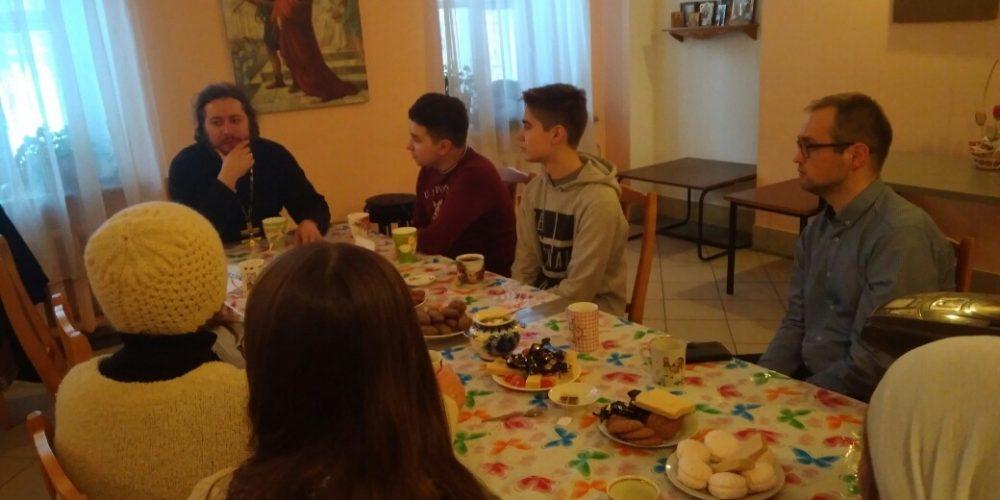 Протоиерей Кирилл Шевцов встретился с председателем молодежи района Лианозово