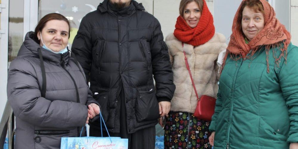 Молодёжь Северо-Восточного викариатства доставила подарки в Дом-интернат «Пансионат г. Мурома»