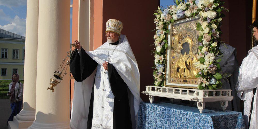 Завершилось пребывание Феодоровской иконы Божией Матери в Северо-Восточном викариатстве