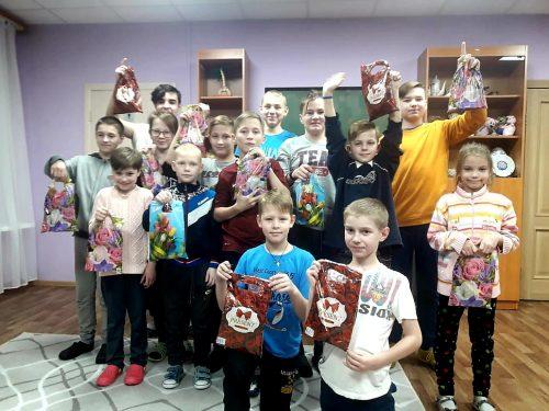 Волонтёры храма иконы Божией Матери «Отрада и Утешение» помогли детям из социально-реабилитационных центров