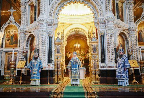 В праздник Сретения Господня архиепископ Егорьевский Матфей сослужил Святейшему Патриарху Кириллу за Божественной литургией в Храме Христа Спасителя