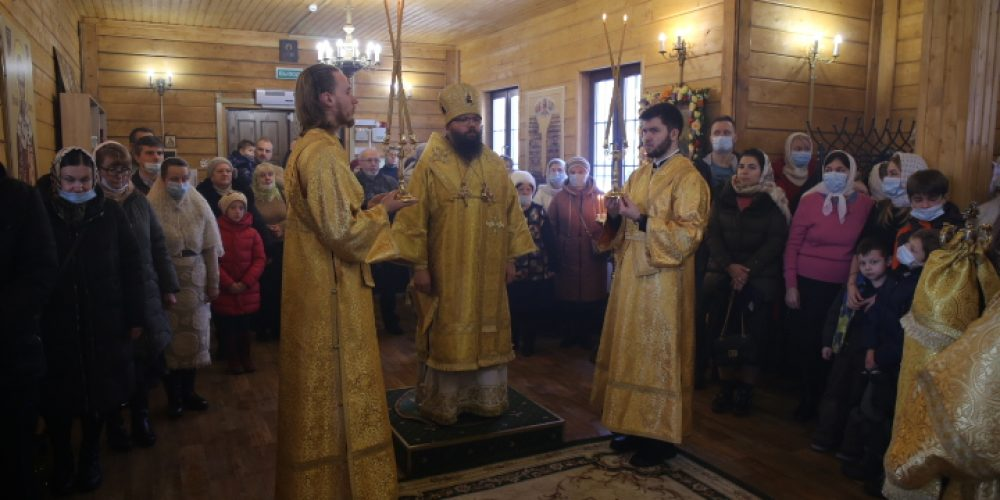 Архиепископ Егорьевский Матфей возглавил престольный праздник в храме блаженной Ксении Петербургской