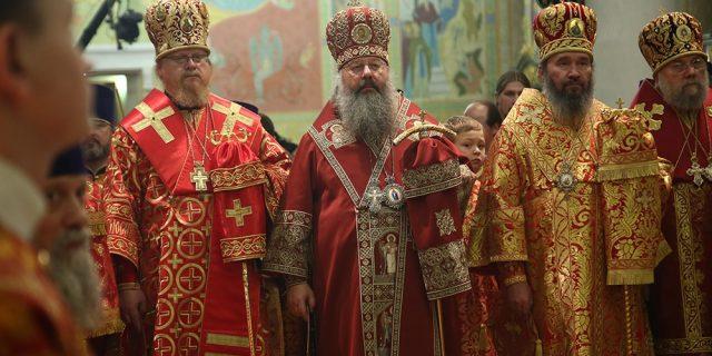 Всенощное бдение в Свято-Троицком кафедральном соборе Екатеринбурга