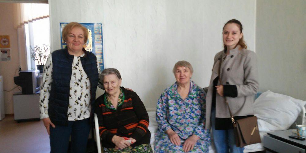 Поездка добровольцев в Дом сестринского ухода в селе Рахманово