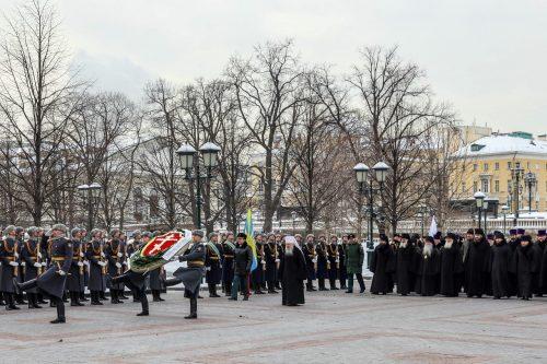 Архиепископ Егорьевский Матфей принял участие в церемонии возложения венка к могиле Неизвестного солдата