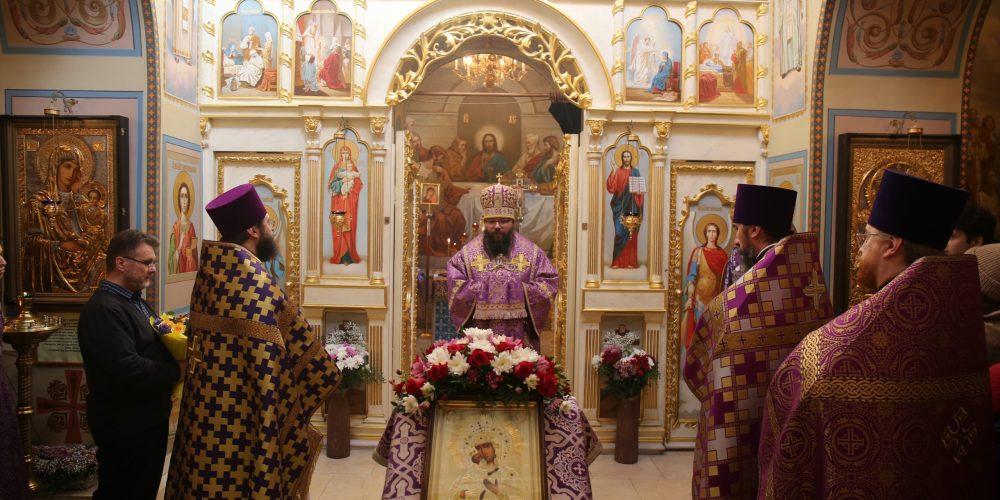Архиепископ Егорьевский Матфей возглавил престольный праздник в храме Феодоровской иконы Божией Матери при РГСУ