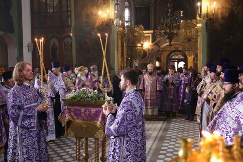 В день престольного праздника Архиепископ Егорьевский Матфей возглавил Божественную литургию в храме Тихвинской иконы Божией Матери в Алексеевском