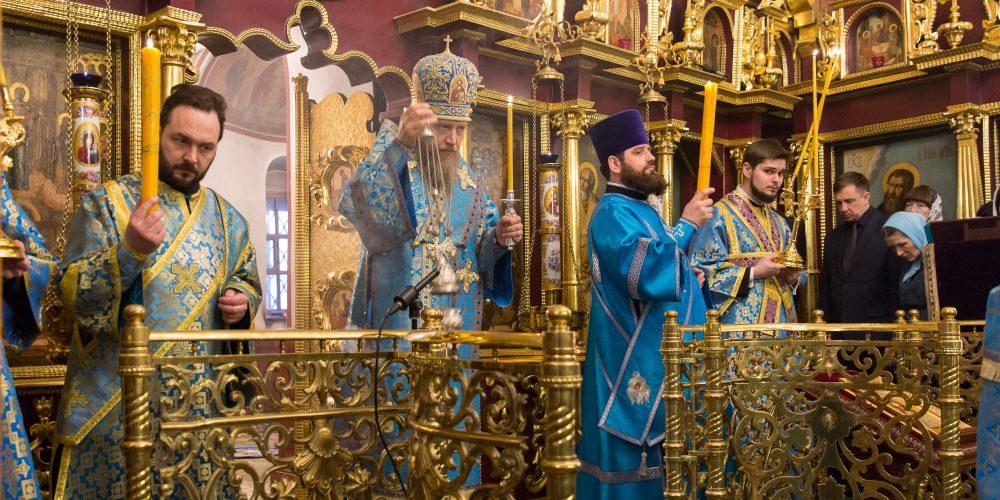 Суббота Акафиста в храме Покрова Пресвятой Богородицы в Медведкове