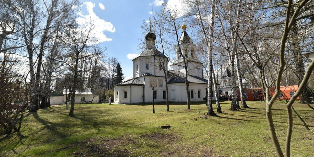 Началась комплексная реставрация фасадов храма Ризоположения Пресвятой Богородицы в бывшем селе Леоново