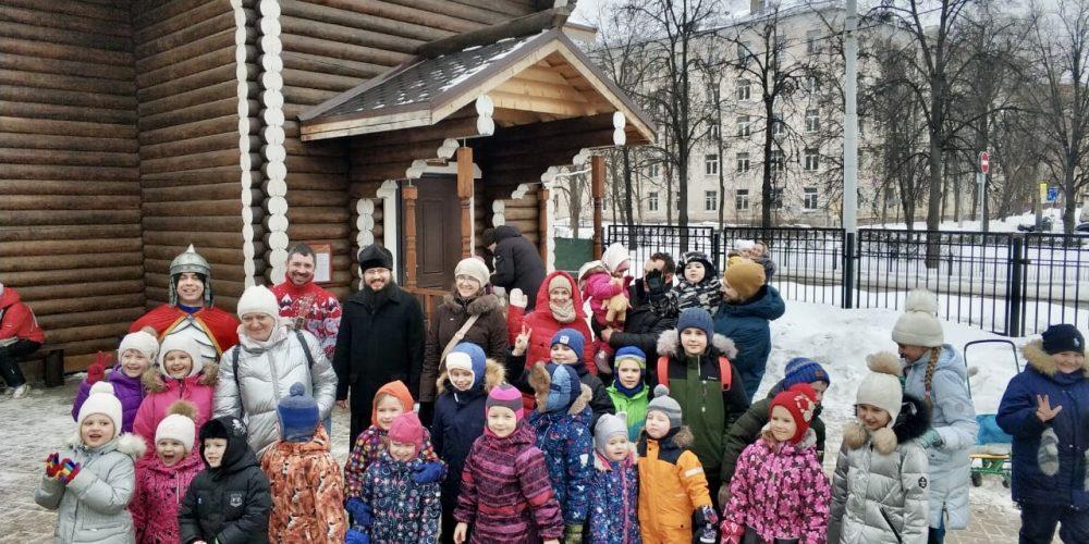 В храме свт. Макария (Невского) в Бутырском прошли масленичные гуляния