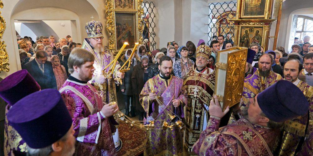 Божественная литургия в Неделю 5-ю Великого поста