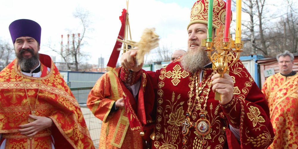 Епископ Домодедовский Иоанн совершил Божественную литургию в храме св. Ольги