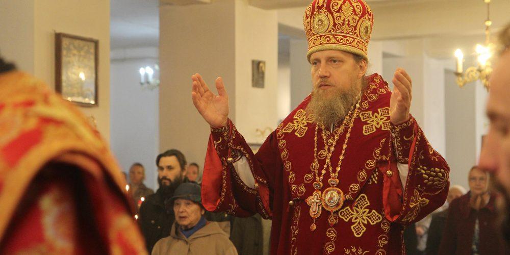 Богослужение в храме Собора Московских святых