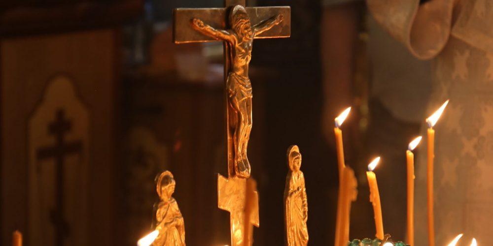 Архиепископ Матфей возглавил Божественную Литургию в храме Живоначальной Троицы на Пятницком кладбище