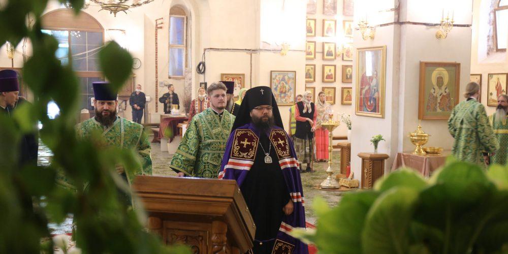 Архиепископ Матфей Егорьевский возглавил Божественную Литургию в храме Живоначальной Троицы при бывшем приюте Бахрушеных