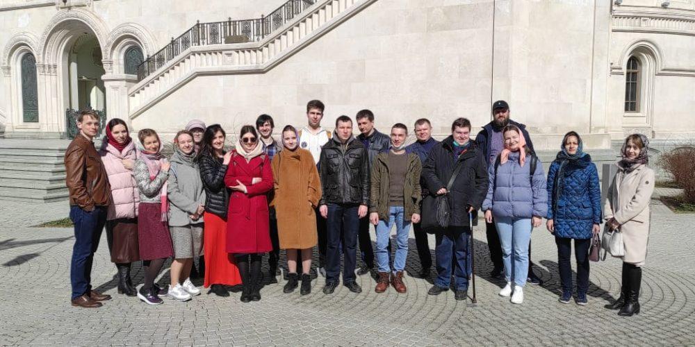 Молодёжь Северо-Восточного викариатства посетила Сретенский монастырь
