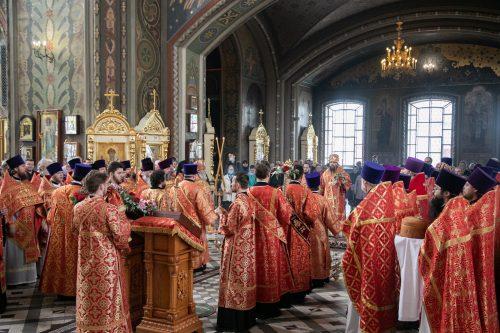 Архиепископ Егорьевский Матфей совершил Божественную Литургию в Иверском соборе Николо-Перервинского монастыря