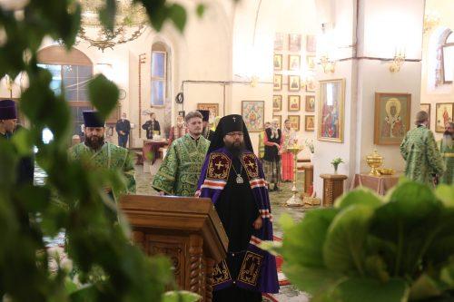Архиепископ Егорьевский Матфей возглавил Божественную Литургию в храме Живоначальной Троицы при бывшем приюте Бахрушиных