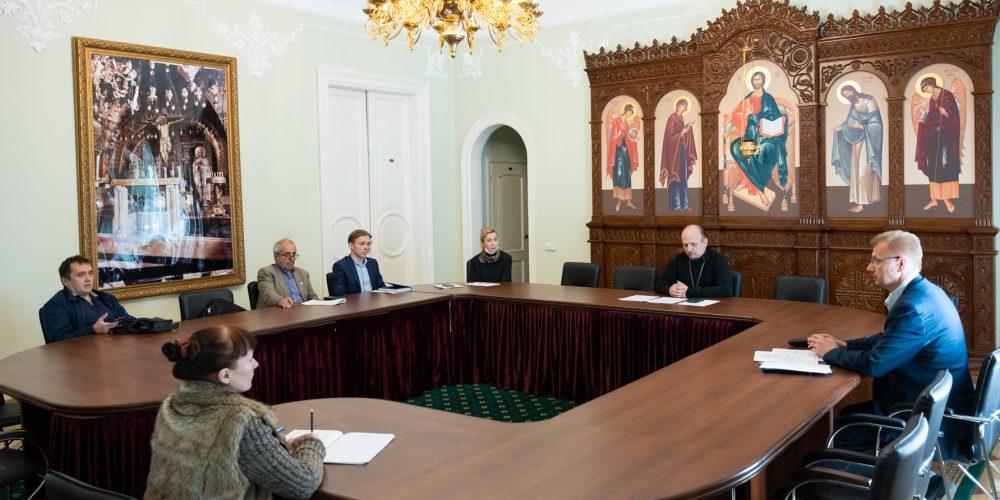 Помощник председателя ФХУ провел совещания по проектированию и строительству храмов