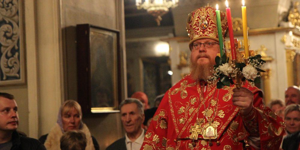 Ночное Пасхальное богослужение в храме святителя Николая Чудотворца в Хамовниках