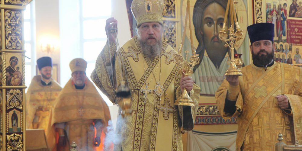 Божественная литургия в храме Торжества Православия в Алтуфьеве