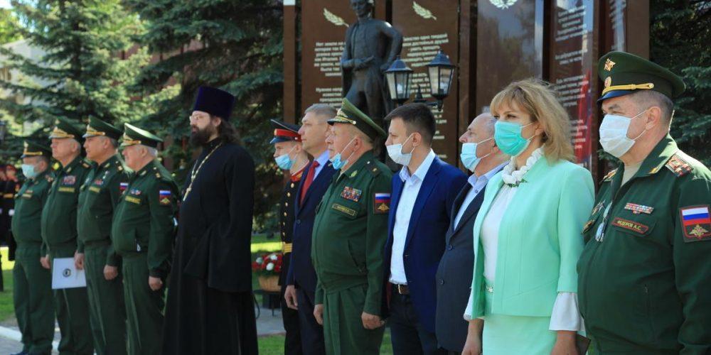 Настоятель храма прп. Серафима Саровского в Раеве принял участие в последнем звонке Московского суворовского военного училища